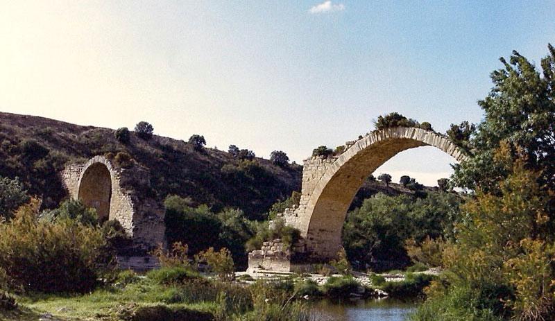 Puente Mantible. Gran Turismo Rioja